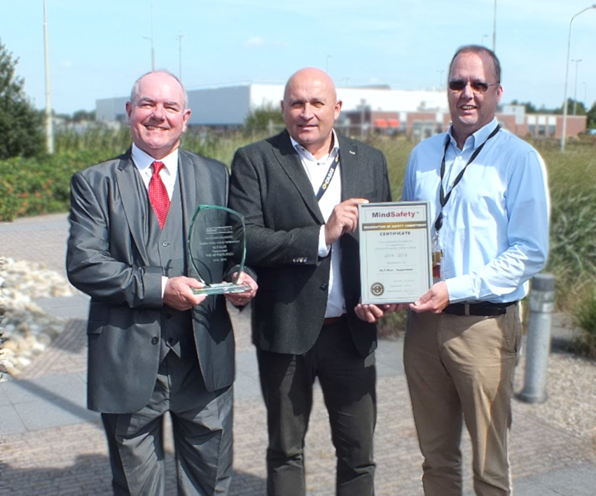 MindSafety Present Their Achievement Award to GLT-PLUS in The Netherlands