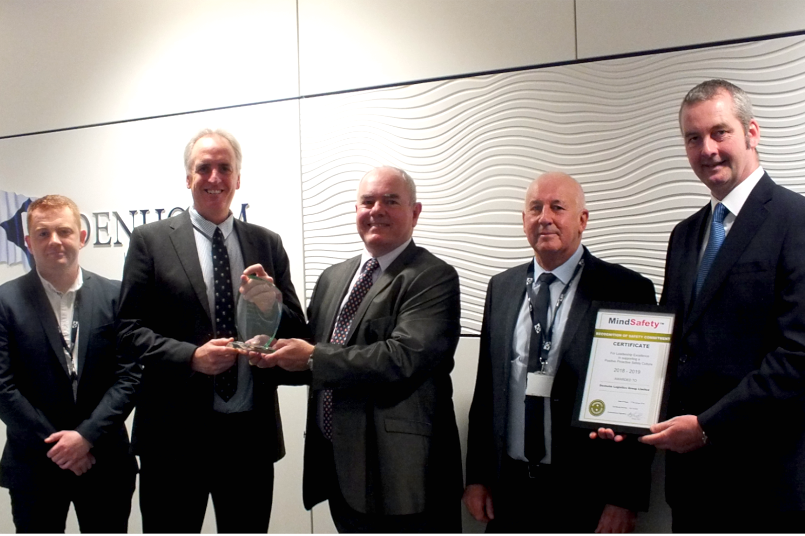 MindSafety Present Their Achievement Award to Denholm Logistics Group